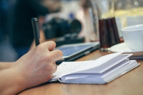 Učitelia v žilinských školách budú mať vyššie osobné príplatky