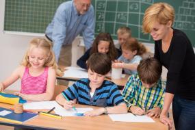 Remišovej návrh upraví právomoci ministerstva pri prideľovaní financií pre asistentov učiteľa