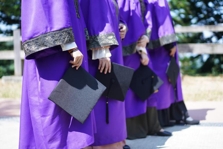 Školský výbor odobril novelu o uznávaní diplomov