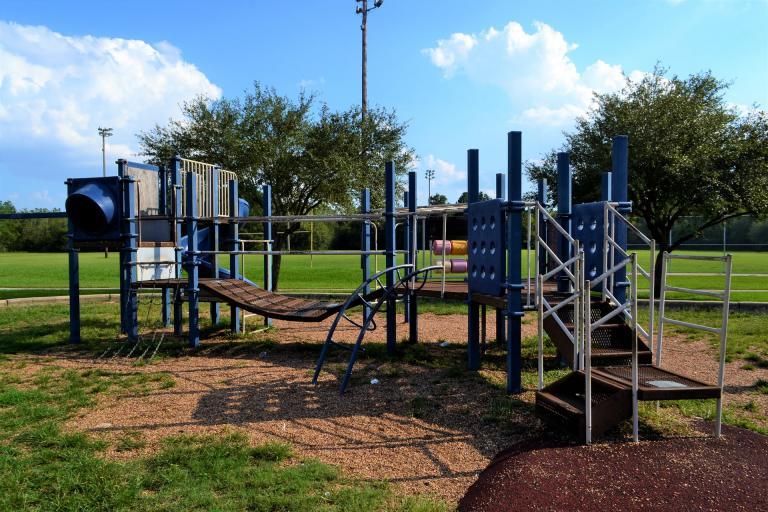 Školy bez telocviční a obce bez športovísk. Bude stačiť 60-miliónov na modernizáciu?