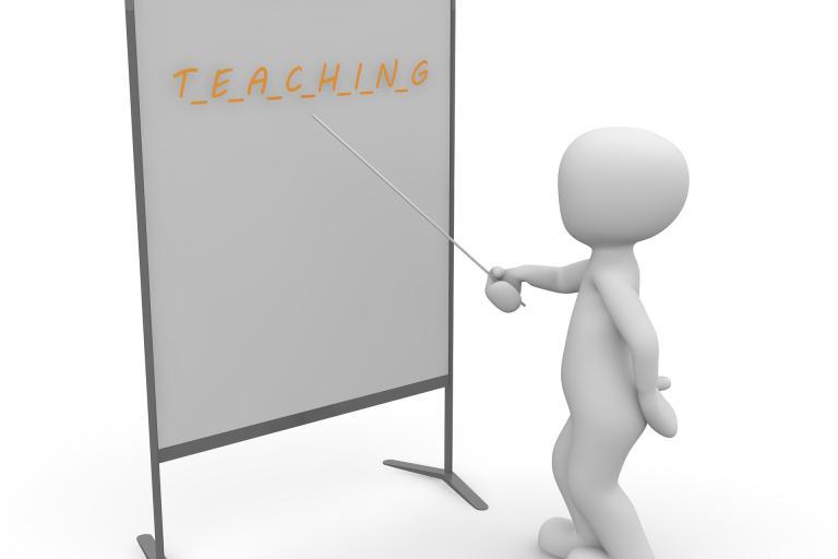 Učiteľov s minimom je tretina. Školy ich chvália